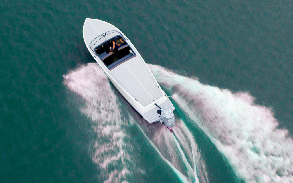 E-Motion 180 in action with powerboat cruising aerial